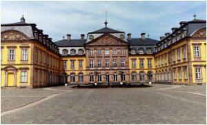 Bad Arolsen barokový zámok s anglickým parkom